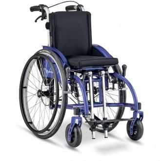 Детское кресло-коляска активного типа Berollka Traxx в