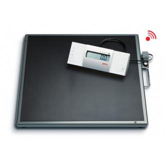 Весы медицинские специальные с выносным дисплеем и большой платформой seca 634 в